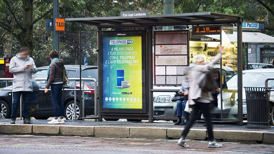Advertising in Milan IGPDecaux Brand Shelter + Mupi for Telepass Pay