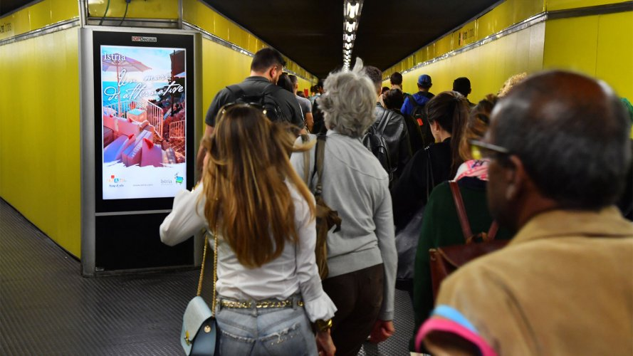 IGPDecaux Milan Underground Vision Network for Turismo Istria