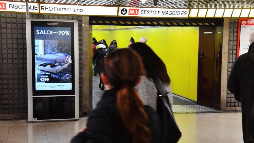 Pubblicità Out Of Home Milano Network Vision Metropolitana per Vergani IGPDecaux