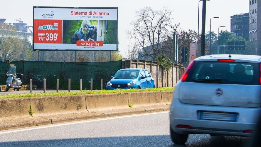 Pubblicità cartellonistica IGPDecaux Milano poster per Verisure