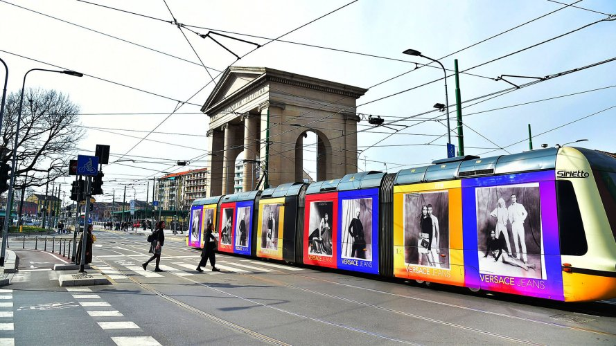 outdoor advertising in Milan Full-Wrap IGPDecaux for Versace Jeans