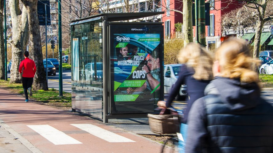 Out Of Home IGPDecaux Bus shelter + Mupi in Milan per Viacom