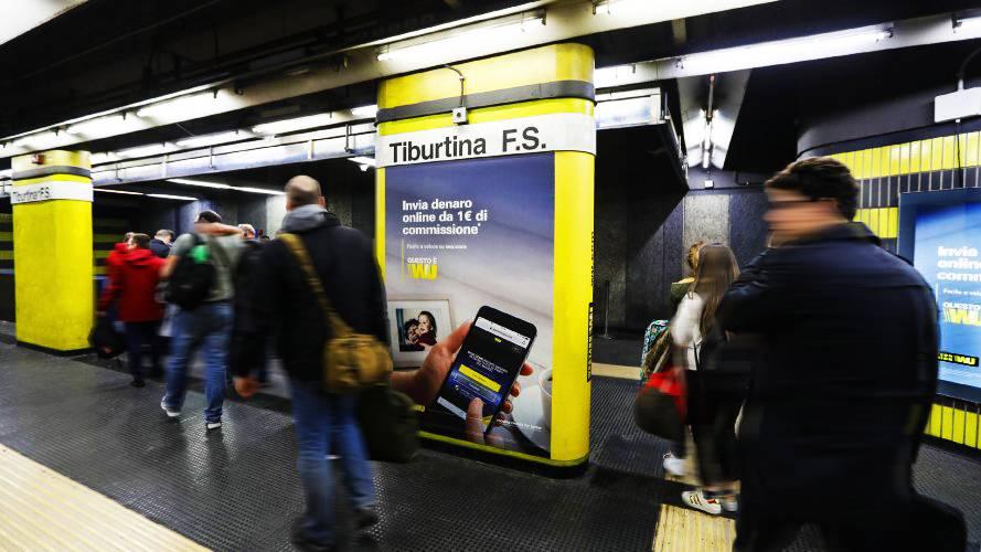 IGPDecaux Milano Area Station Domination per Western Union