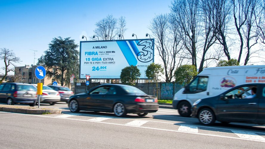 IGPDecaux advertsing posters in Milan spectacular for Wind