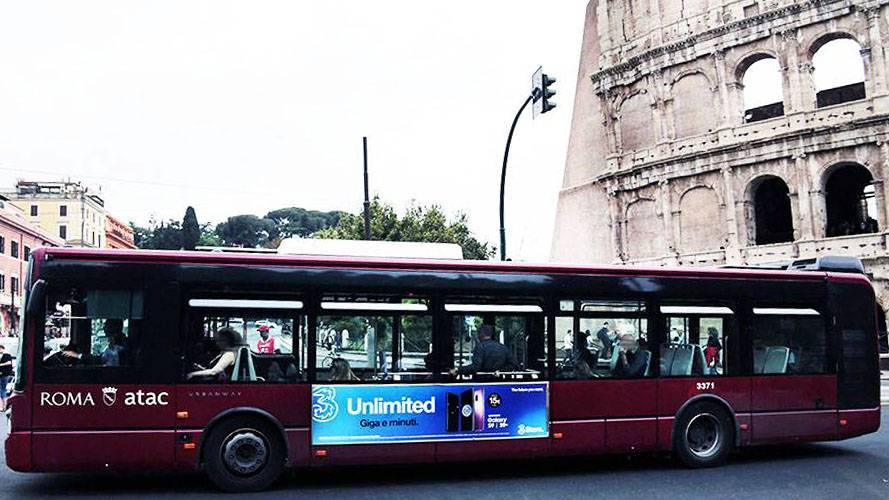 IGPDecaux Out of Home in Rome Side Banner for Wind