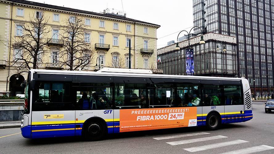 Pubblicità su autobus a Torino Adesiva Landscape IGPDecaux per Wind