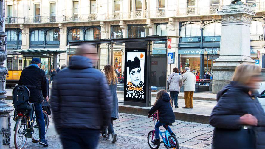 IGPDecaux Milano pensiline digitali per Zalando