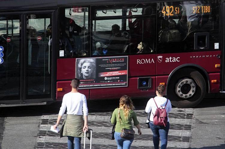 Pubblicità sugli autobus Roma IGPDecaux Tabella 120/200x70 mostra internazionale Imperdibile Marilyn
